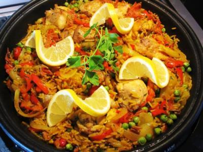 Spanische Reispfanne mit Hühnchen - Rezept