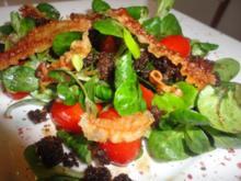 Feld Salat mit krossem Lardo Speck und geröstetem Pumpernickel - Rezept