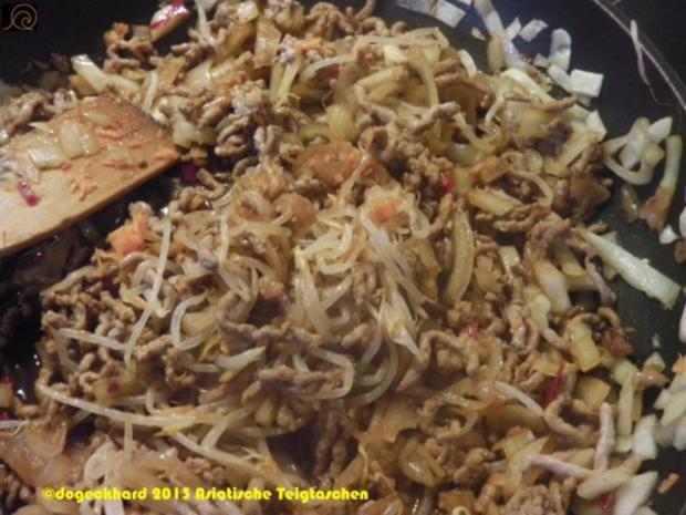 Asiatische Teigtaschen mit Bohnensprossensalat - Rezept - Bild Nr. 5