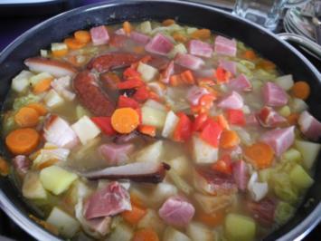 Rezept: Suppen & Eintöpfe :  Chinakohl - Gemüseeintopf