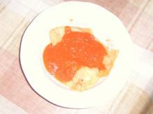 Handgemachte Ravioli mit Käse - Hackfleisch - Füllung an Tomatensosse - Rezept