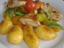 Winterlicher Gemüsesalat mit Gewürzhähnchenbrust - Rezept