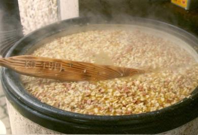 Suppen: Mein Sommereintopf für die ganze Sippe - Rezept