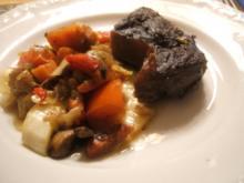Fleisch: Rinderbeinscheiben - geschmort mit viel Gemüse - Rezept