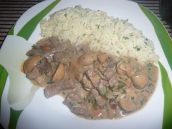 Rezept: Rindergeschnetzeltes mit Champignons & Reis