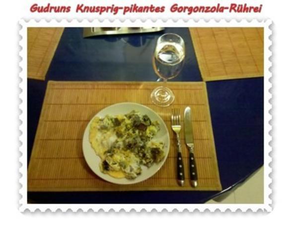 Eier: Knusprig-pikantes Gorgonzola-Rührei - Rezept - Bild Nr. 8