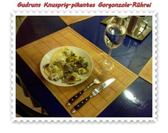 Eier: Knusprig-pikantes Gorgonzola-Rührei - Rezept - Bild Nr. 9