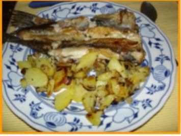 Grüne Heringe mit Bratkartoffeln und Salat - Rezept