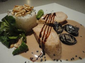 Rezept: flambiertes Puten Filet mit Dörrpflaumen Sauce und Mandel Reis
