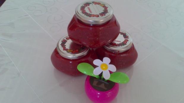 Erdbeer- Johannisbeer- Marmelade - Rezept - Bild Nr. 2