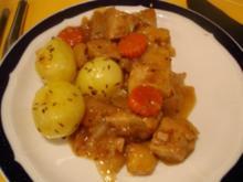 Schweinepfeffer mit Kümmelkartoffeln - Rezept