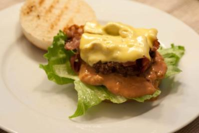 Bacon Cheese Burger - Rezept