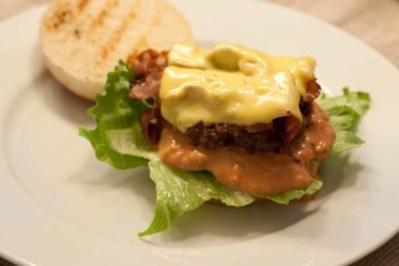 Bacon Cheese Burger - Rezept