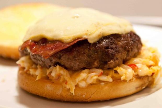 Fat Doug Burger (by Michael Symon) - Rezept - Bild Nr. 3