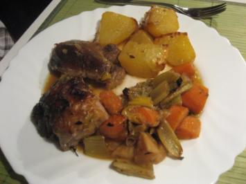 Lammschulter auf Wurzelgemüse und Ofenkartoffeln - Rezept