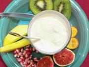 Hausgemachtes Ananaseis mit exotischen Früchten - Rezept