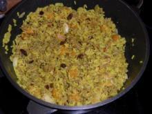 Hack-Curry Pfanne mit Reis und Pfirsichen - Rezept