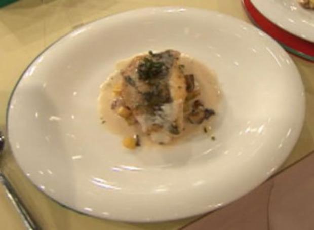 Wolfsbarschfilet mit Kartoffeln und Pilzen à la Henssler - Rezept