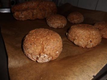Brot/Brötchen: Roggen-Körner-Brot mit Chili - Rezept
