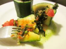 Mediterran gefüllte Zucchini mit Tomate und Spinat - Rezept