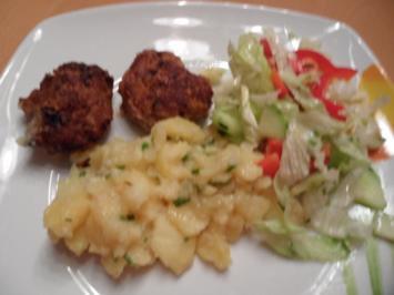 Rezept: Fleischküchle und Kartoffelsalat