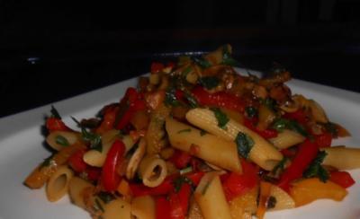Nudel-Champignon-Gemüse-Pfanne - Rezept