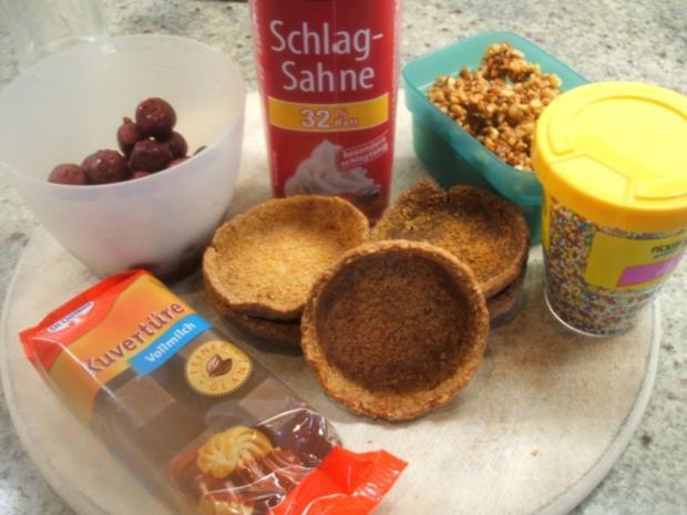 Dessert: Schokosahne-Törtchen mit Kirschen - Rezept - Bild Nr. 3