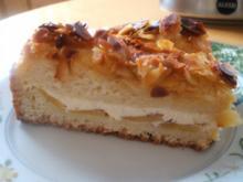 Backen: Hefekuchen mit Innenleben und Mandelkruste - Rezept