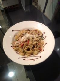 Pasta Tricolore mit Curry-Orangen-Weißwein Hühnchen - Rezept