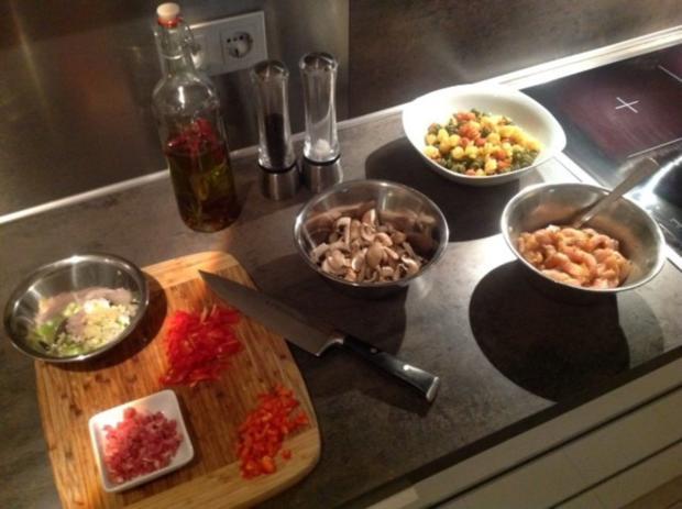 Pasta Tricolore mit Curry-Orangen-Weißwein Hühnchen - Rezept - Bild Nr. 4