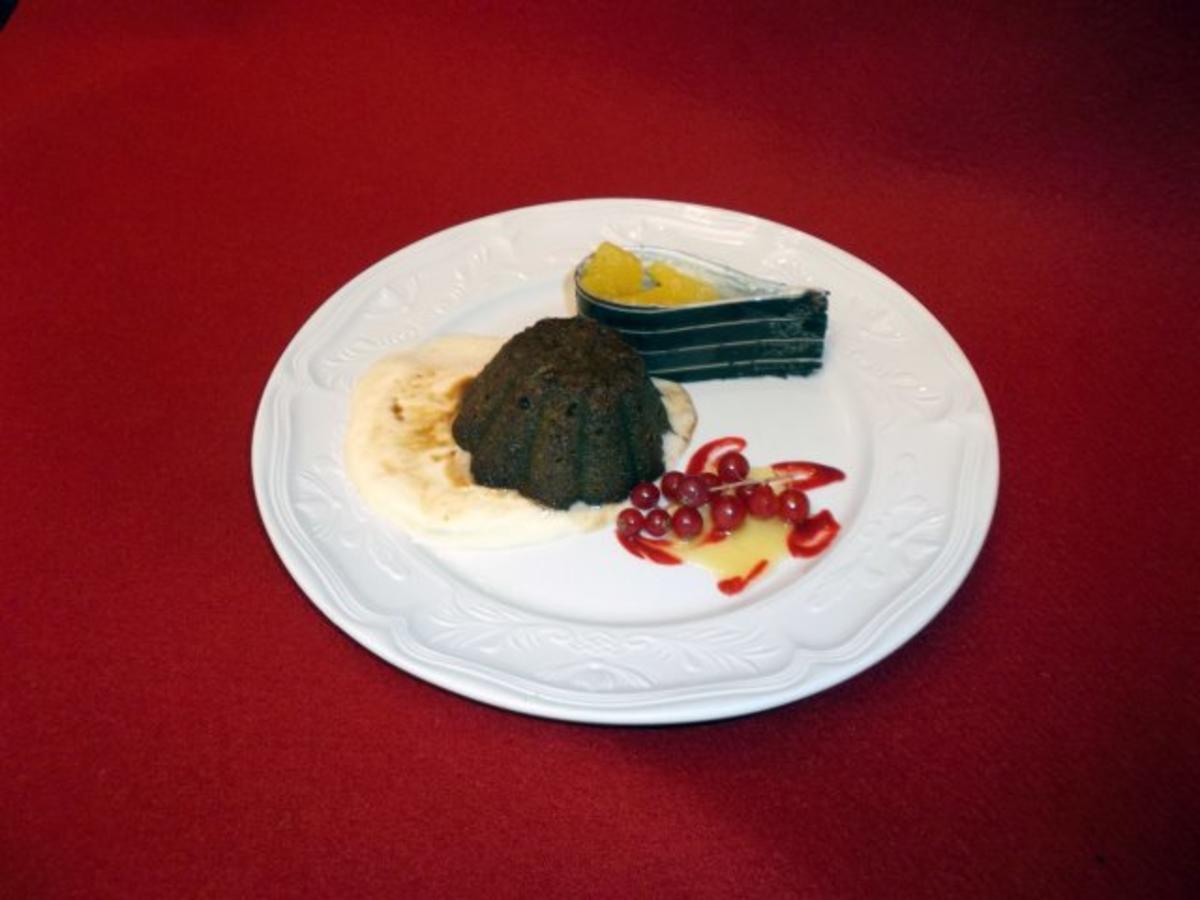 Espresso-Mandeltörtchen mit Eis und Salat von Orangen - Rezept von Das perfekte Dinner