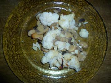 Gebackener Blumenkohl mit Champions und Oliven - Rezept