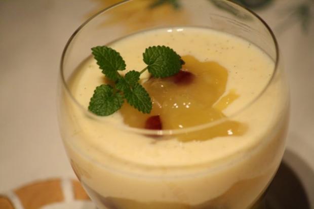 Apfel-Cranberrie-Kompott mit Vanillesoße - Rezept