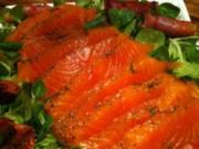 Gebeitzter Lachs mit Kräuter - Rezept