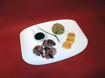 Rehrücken an Wirsingpüree mit römischen Gnocchi und einer wilden Schokosoße - Rezept