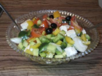 Horiatiki salata   -  Grichischer Bauernsalat - Rezept