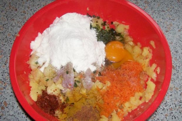 Beilagen/Hauptgericht: Kartoffel-Apfel-Plätzchen mit Aprikosen-Schmand-Dip - Rezept - Bild Nr. 2