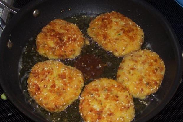 Beilagen/Hauptgericht: Kartoffel-Apfel-Plätzchen mit Aprikosen-Schmand-Dip - Rezept - Bild Nr. 9