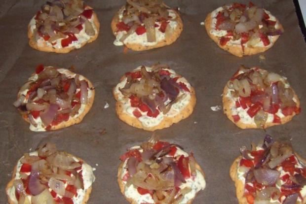 Vorspeise/Snack: Kleine Zwiebelfladen mit Paprika und Chorizo - Rezept - Bild Nr. 12
