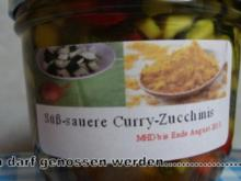 Süß-sauer eingelegte Curry-Zucchinis - Rezept