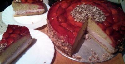 Strawberry Cheesecake   /     Kuchen mit Käsefüllung und Erbeeren - Rezept