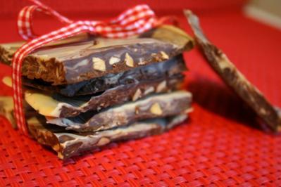Erdnussschokolade selbst gemacht :) - Rezept