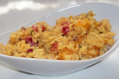 Fruchtiger Thunfisch-Reis-Salat mit Mandarinen, Bacon und Mozzarella - Rezept