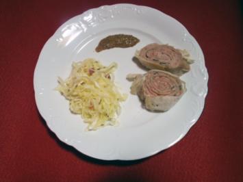 Weißwurschtstrudel mit Krautsalat - Rezept