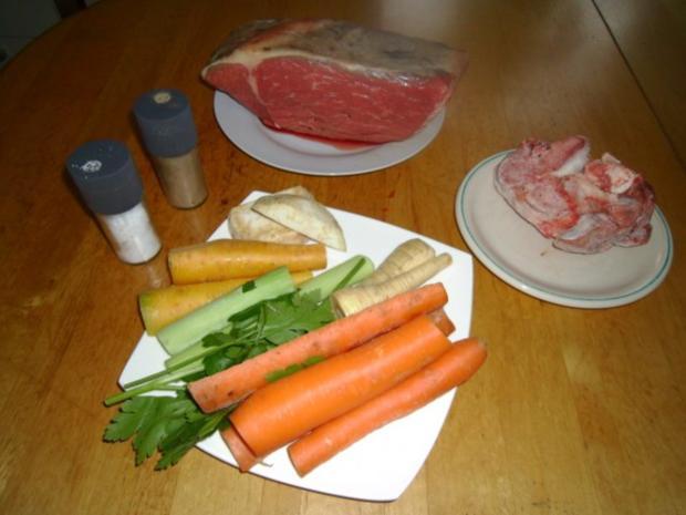 Gekochtes Rindfleisch mit Röstkartoffeln und Semmelkren - Rezept - Bild Nr. 2