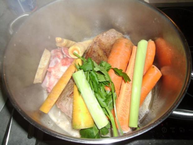 Gekochtes Rindfleisch mit Röstkartoffeln und Semmelkren - Rezept - Bild Nr. 5