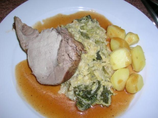 Schweinekotelettbraten am Stück an Wirsing und Kartoffeln - Rezept