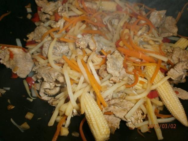 Gebratenes Schweinefilet mit viel frischem Gemüse - Rezept - Bild Nr. 6