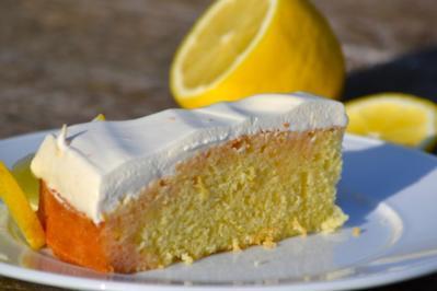 Zitronenkuchen mit Quarkhaube - Rezept