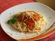 Spaghetti mit Möhren-Tomaten-Soße - Rezept